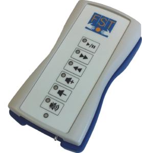L'appareil gris présente différents boutons pour régler du son